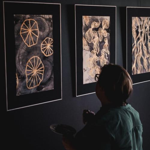 Mākslas izstādes atklāšana