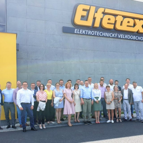 Würth Group Eiropas vadība pie viena no Würth grupas uzņēmuma Elfetex, Čehijā.