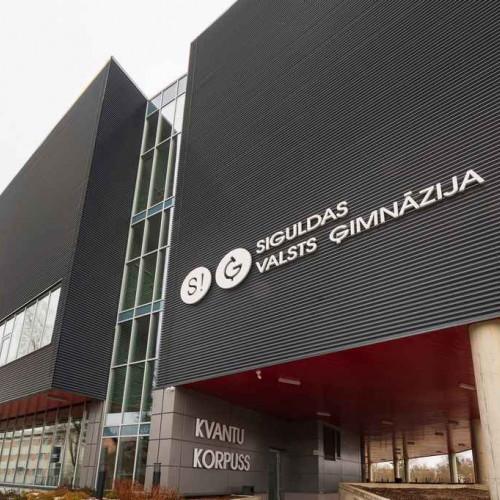 Baltik Elektro Gaisma izgaismo Siguldas Valsts ģimnāziju